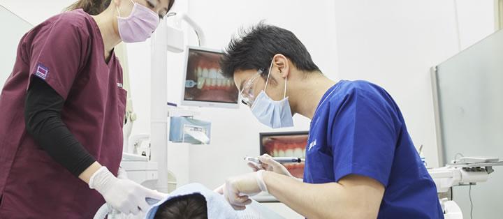矯正医×歯科医師