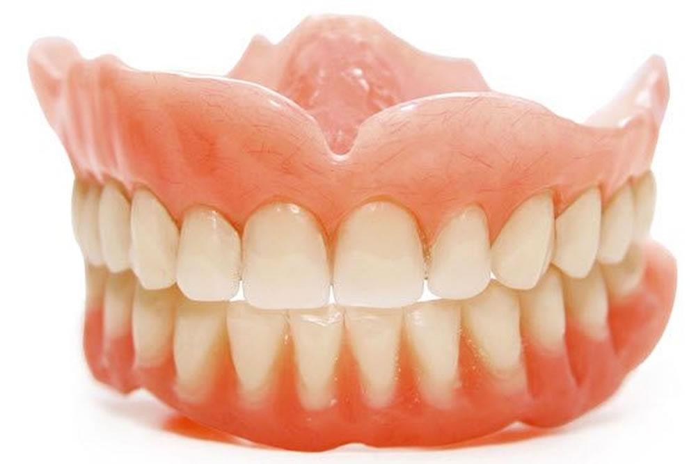 入れ歯の調整・修理・製作